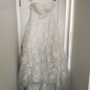 Dresses & Skirts - Sweet heart A-Line wedding gown (FLOOR SAMPLE)